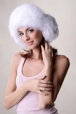 Fur hat for women, manufactured from nappa lamb leather and natural polar fox fur