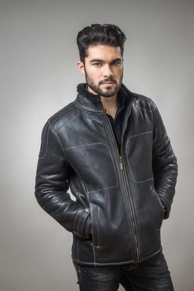 Mens coat, manufactured from natural fur
