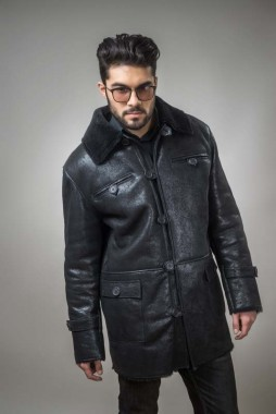 Fur coat for men, made out of natural lamb fur