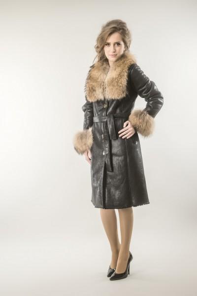 Brown womens fur coat! Made from fox and lamb fur