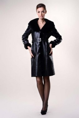 Womens fur coat, with the exterior made from nappa sheepskin