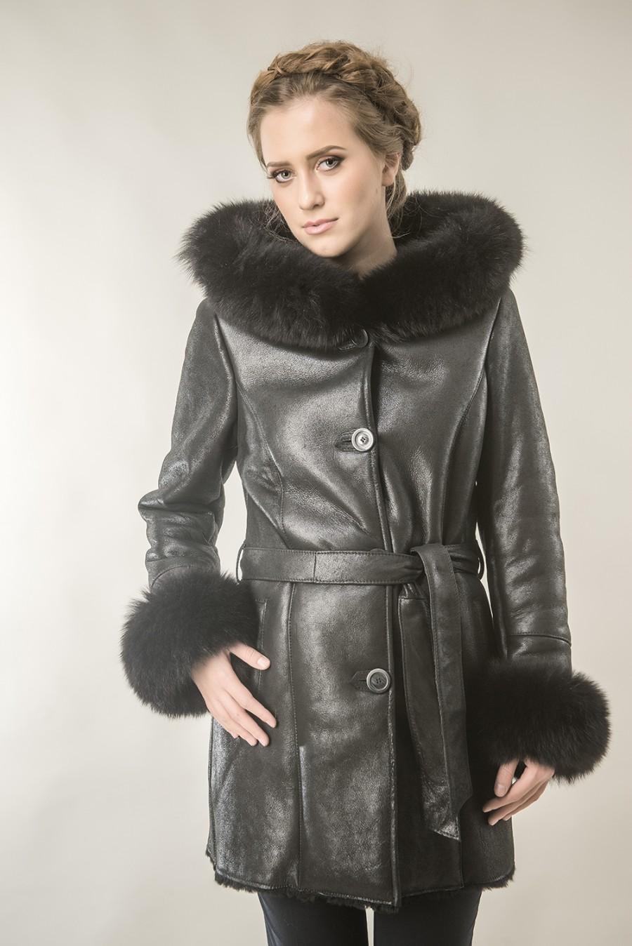 e83da52b3 Womens fur coat made with nappa leather and fox fur