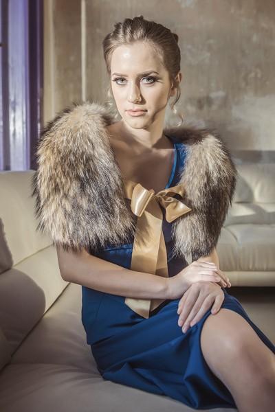 Womens fur collar made from natural raccoon fur