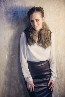 Womens fur collar, manufactured from natural raccoon fur