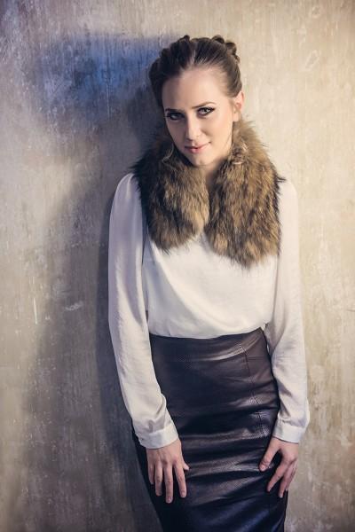 Womens fur collar, manufactured from natural raccoon fur