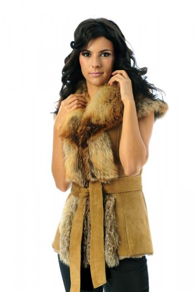 Fur gilet for women, made from suede lambskin and natural fox fur