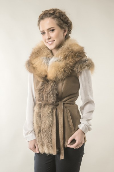 Womens fur gilet with natural lamb fur and fox fur