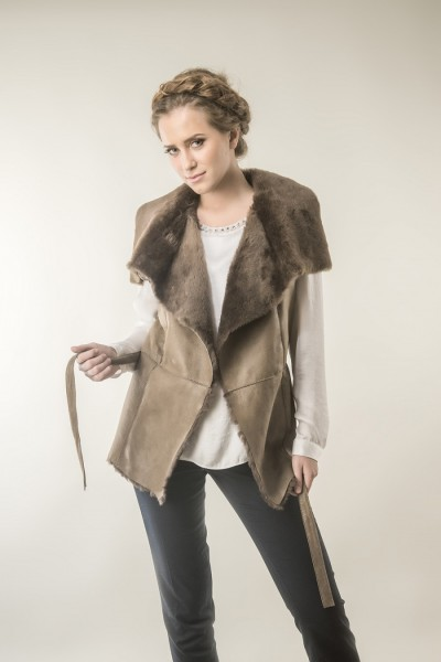 Fur gilet for women, made from nappa leather and merino lamb fur, with wide collar made from trimmed lamb fur